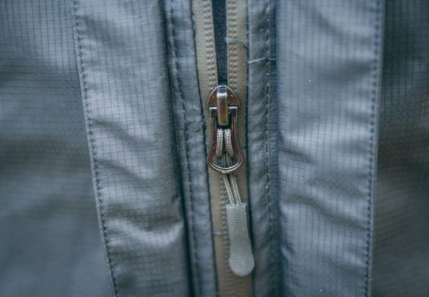 Ziper durável com fechamento